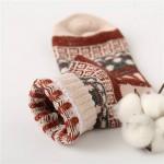 Носочки женские зимние с абстрактными узорами  W029
