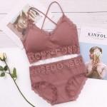 Комплект белья FINETOO в рубчик с кружевом (бралет 1.5-ка + трусики слипы)  K804